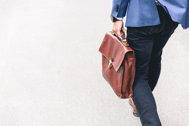 How Much Do Bloggers Really Earn Form Their Role?
